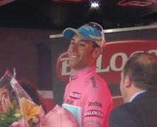 Nibali si veste di rosa nella crono di Dowsett!