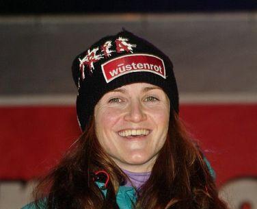 Elisabeth Goergl vince discesa Altenmarkt