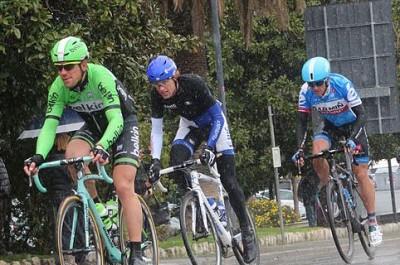 ciclismo gruppo acqua