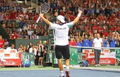 Bolelli festeggia dopo il successo nel doppio. Foto di Brigitte Grassotti