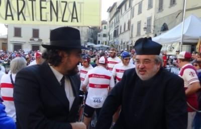 sindaco La Ferla e Don Marco L'Intrepida 2014