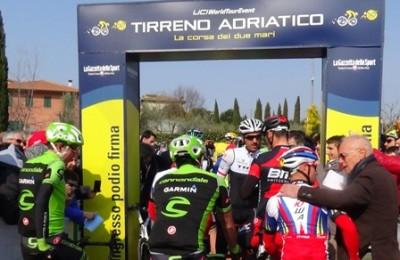 Tirreno-Adriatico, partenza da Indicatore