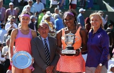 Williams e Safarova con il presidente Gachassin e Navratilova, foto Patrick Boren