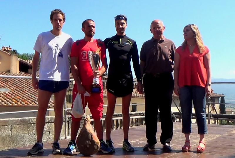 Niola sul gradino più alto del podio ad Anghiari