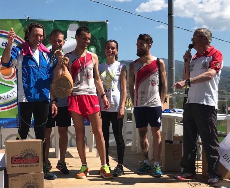 La Battaglia Runners Anghiari premiata sul palco