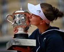 Roland Garros – Barbora Krejcikova laureata Regina di Parigi