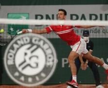 Roland Garros – Berrettini cede a Djokovic in quattro set