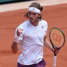 Roland Garros – Tsitsipas batte Medvedev e conquista la semifinale